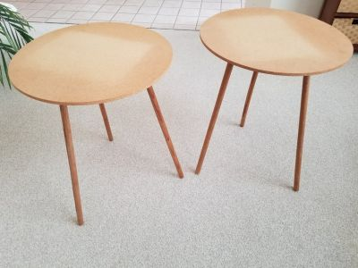 Table x 2 Round Decorative Tables