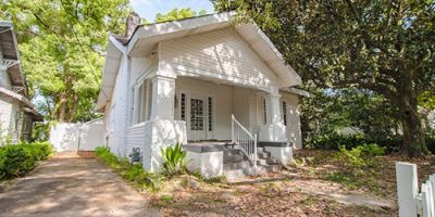 Historic Cottage with THREE Fireplaces in Tuttle/Glendale Subdivision, Mobile!