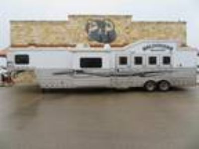 2012 Bloomer 4 Horse 14' SW with Slide Out and Bunk Beds 4 horses