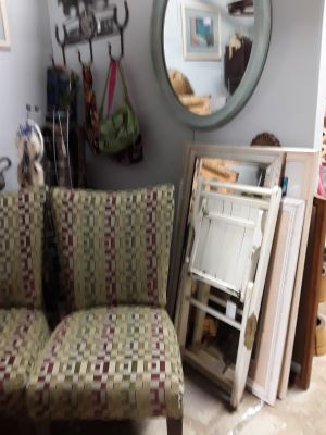 Pair of parson chairs $25 for BOTH need to tighten seats and leggings