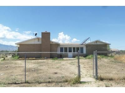 4 Bed 2.5 Bath Foreclosure Property in Pima, AZ 85543 - N Harvey Ave