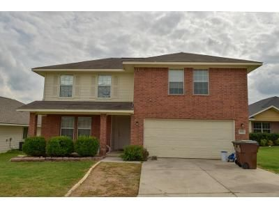 4 Bed 2.5 Bath Preforeclosure Property in Converse, TX 78109 - Hatchmere Ct