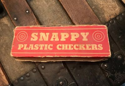 'Snappy Plastic Checkers' 'An Elgee Product USA'
