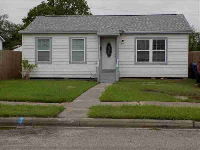 937 Lum Ave CORPUS CHRISTI Two BR, Come and see this cute home!