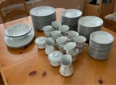 Fairfield Fine China Versailles Service for 16