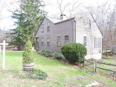 3 Bed 1 Bath Foreclosure Property in Haddam, CT 06438 - Candlewood Hill Road