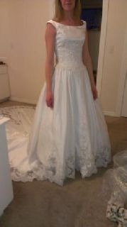 $350 Wedding Dress size 6