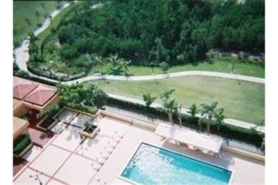 North Miami Beach - CONVERTIBLE 2 BEDROOMS AND 2 BATHS. Carport parking!