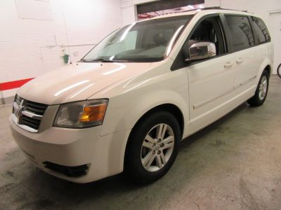 2008 Dodge Grand Caravan SXT (White)