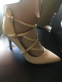 PATENT LEATHER SHOES SIZE 7