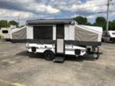 2019 Coachmen Clipper Sport 108 ST