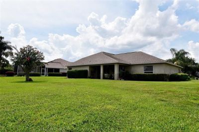 Easy commute for busy Executive with close, proximity to greater Orlando areas...