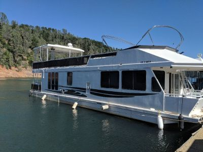 2002 Luxuary Twin Anchors 56 foot Houseboat with Permit on Lake Shasta. No Broker's fees.