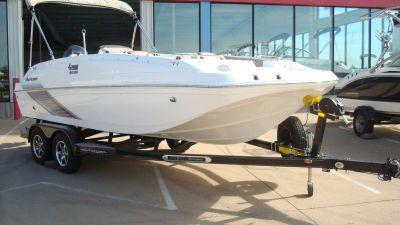 2016 Hurricane SunDeck Sport 188 OB Deck Boats Lewisville, TX