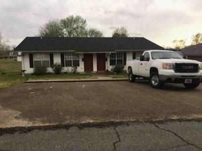 4 Bed 2 Bath Foreclosure Property in Morrilton, AR 72110 - E. Miller St.