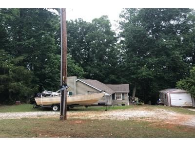 3 Bed 2 Bath Foreclosure Property in Townville, SC 29689 - Pine Cir