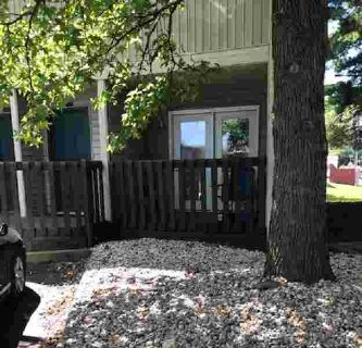 1700 N Lincoln Street BLOOMINGTON Two BR, Many opportunities to