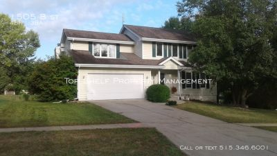 Single Family Home in Indianola