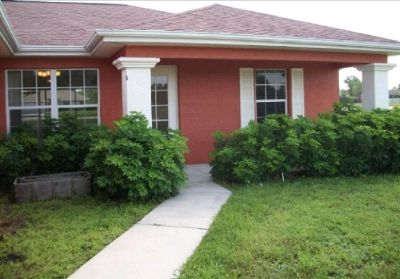 Single Family Home 3 beds 2 baths 1,408 sqft $1100/mo