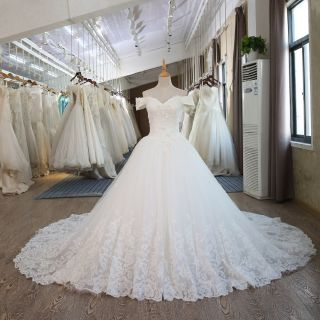 Meryl's A Line Lace Vintage Wedding Gown
