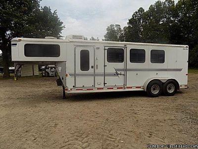2003 Silver Star 3 Horse trailer Weekender