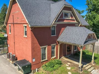 Gorgeous 2 BR Townhouse -$795/Month - Includes Water, Sewer and Trash