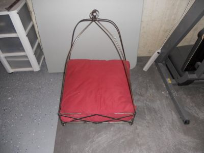 dog or cat bed metal frame with cushion