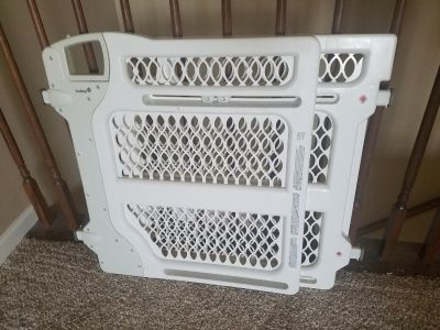 Safety 1st Baby or Pet Gate
