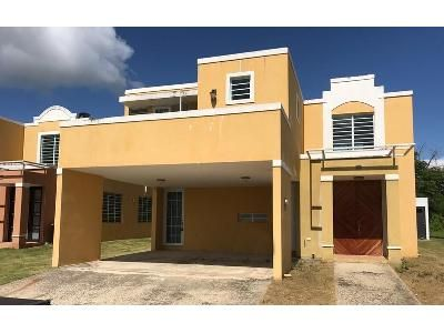 4 Bed 2.5 Bath Foreclosure Property in Humacao, PR 00791 - Del Caribe Ii Dev 15 J Acerina St