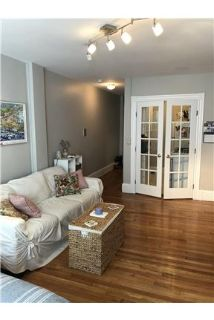 Charming studio unit in Back Bay available 9/1!
