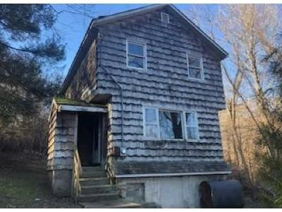 3 Bed 1.5 Bath Foreclosure Property in Monroe, CT 06468 - Cottage St