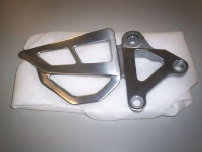 Find NEW OEM ORIGINAL KAWASAKI ZX750 ZX7R ZX LEFT FRONT FOOT PEG BRACKET 2000 motorcycle in Chaplin, Connecticut, United States, for US $79.99