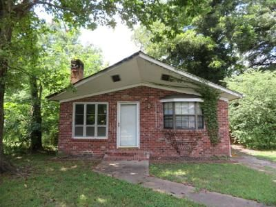 3 Bed 2 Bath Foreclosure Property in Blytheville, AR 72315 - S 15th St