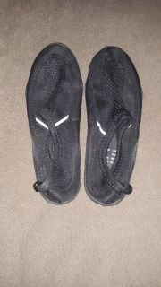 Men's size 7 to 8 Black Water Shoes