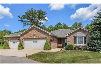 1 level brick home with 3 bedrooms. Washer/Dryer Hookups!