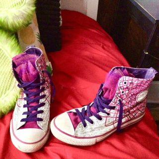 Pink converse with lace