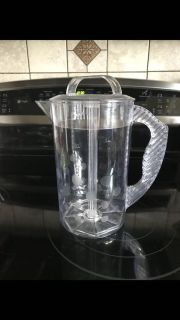 Pampered chef mixing pitcher Great for tea etc.2 qt Comes from a smoke free home