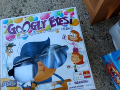Googly eyes game like new