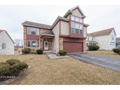 3 Bed 3.5 Bath Foreclosure Property in Merrillville, IN 46410 - Illinois St