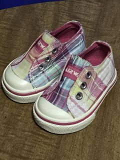 Size 1W INFANT AIR WALK SNEAKERS