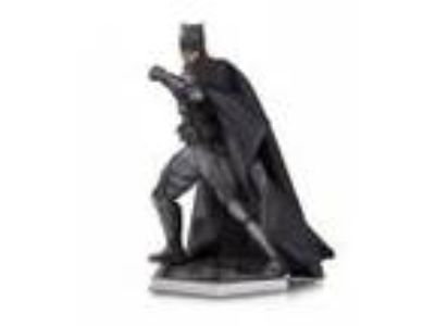 Justice League Movie: Tactical Suit Batman [Statue] by DC Collectibles