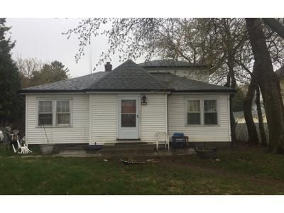 3 Bed 1 Bath Preforeclosure Property in Milwaukee, WI 53209 - W Custer Ave