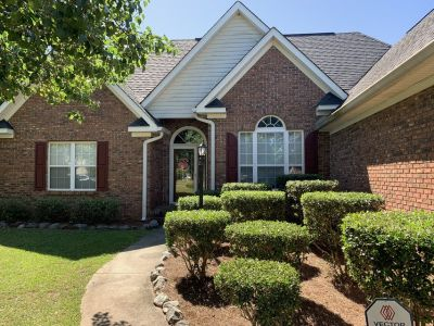 112 Canary Cir; 2128 sq ft. 4br/2.5 bath