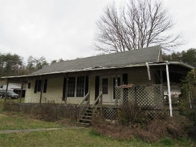 2 Bed 1.0 Bath Foreclosure Property in Dungannon, VA 24245 - Sinking Creek Hwy