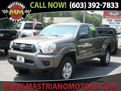 2015 Toyota Tacoma TOUCH SCREEN AND BACK UP CAM (Brown)