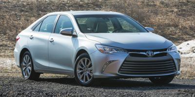 2016 Toyota Camry LE (White)