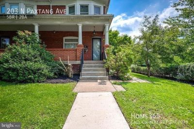 Enormous beautiful 5 bedroom 2 full bath home with gas heat!