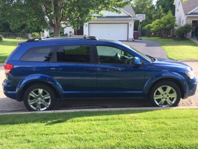 2010 Dodge Journey SXT (with third row seating!)