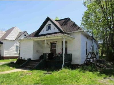 2 Bed 3 Bath Foreclosure Property in Johnson City, TN 37604 - Wilson Ave