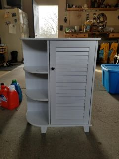 White cabinet with side shelves